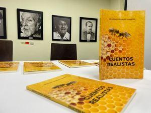 """Portada del  libro """"Cuentos Realistas""""."""