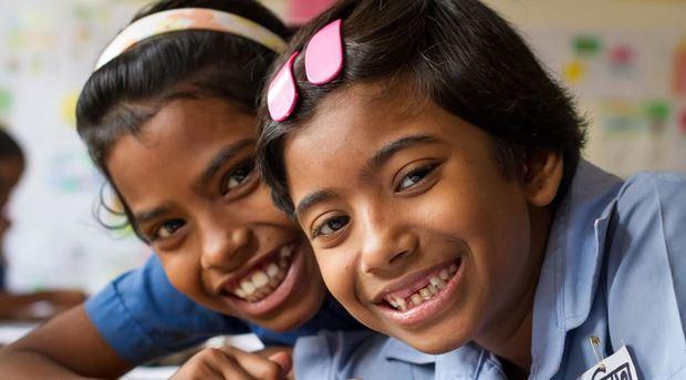 Las niñas también siguen corriendo un alto riesgo de contraer infecciones de transmisión sexual, incluido el VIH, ya que 970,000 adolescentes de 10 a 19 años de edad en el mundo viven actualmente con el VIH.