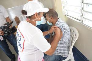 Jornada de Vacunación contra el Covid-19 en la Provincia Hermanas Mirabal.
