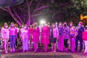 Palacio Consistorial se ilumina de rosa para crear conciencia sobre Cáncer de Mama