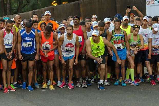 Atletas de 23 países correrán la Maratón Monumental.
