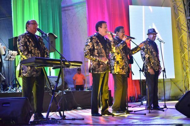 El Conjunto Quisqueya celebró por todo lo alto, en el anfiteatro de Puerto Plata, su 46 aniversario en el arte musical.