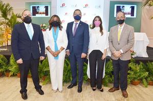 Omar Rivera, Amarilys Duran, Ignacio Glass, Gisel Castillo y Luis Felipe Aquino.