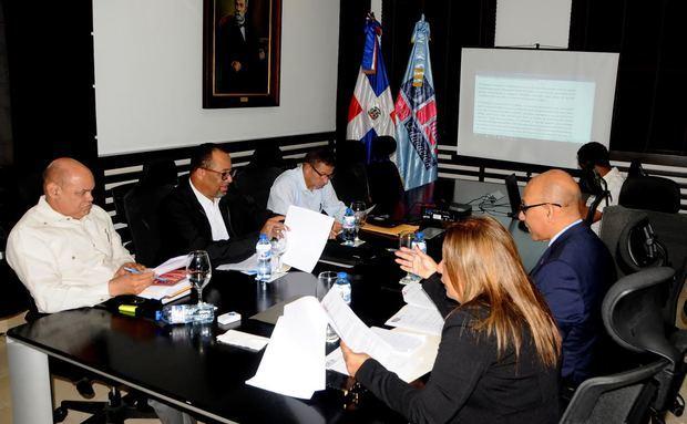 Se reanuda diálogo abierto MINERD y ADP por una educación pública de calidad para todos