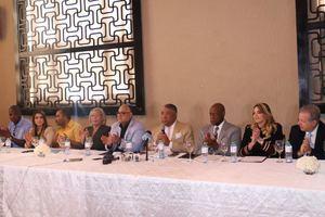 Candidatos alcaldes del Gran Santo Domingo y el Distrito Nacional de la Fuerza del Pueblo y Partidos aliados firman acuerdo de mancomunidad.