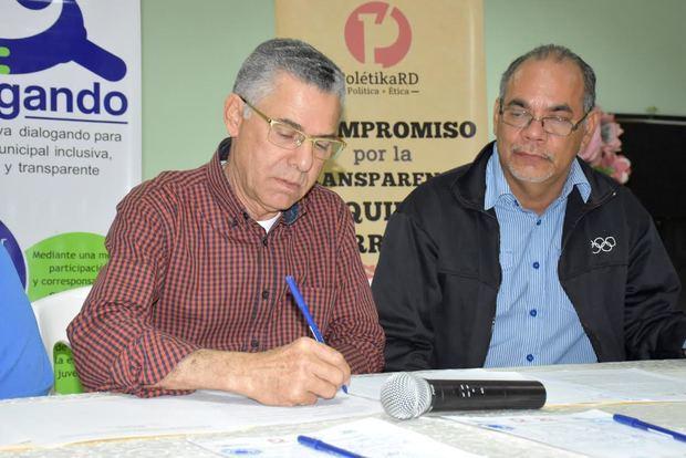 Aspirantes a la Alcaldía de Santo Domingo Este firman compromiso