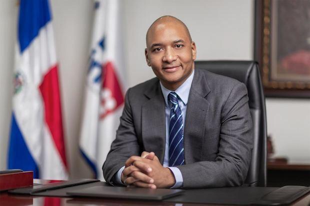 Nelson Guillén Bello, presidente del Consejo Directivo del Instituto Dominicano de las Telecomunicaciones, INDOTEL.