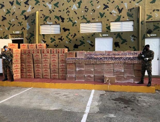 Autoridades decomisan cargamento ilegal de 1,007,600 unidades de cigarillos