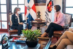 Alcaldesa Distrito Nacional y Embajadora de Canadá inician diálogo para cooperación en diversas áreas
