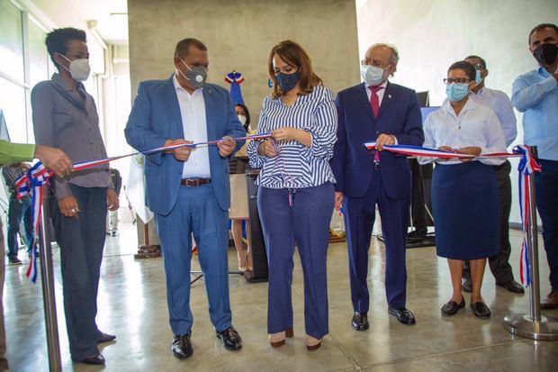 Inauguran centro cultural en Sabana Perdida