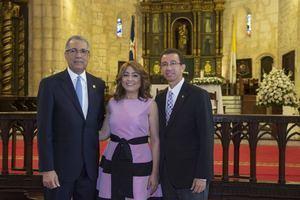 Simón Lizardo Mézquita, Jacqueline Ortiz de Lizardo y Dustin Muñoz.