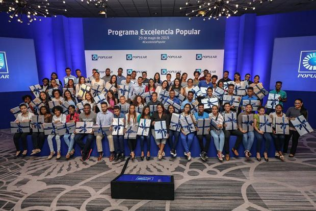 Becados del programa de becas de Excelencia Popular durante el pasado encuentro, realizado en 2019.