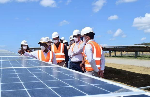 El 70% de energía en Zona Franca Las Américas será renovable