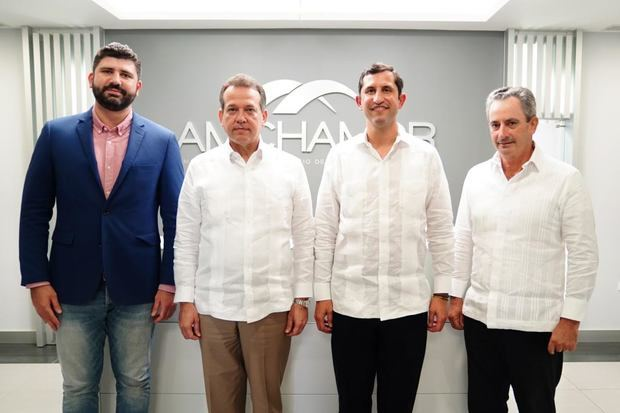AMCHAMDR y el MICM impulsarán inversiones y Nearshore