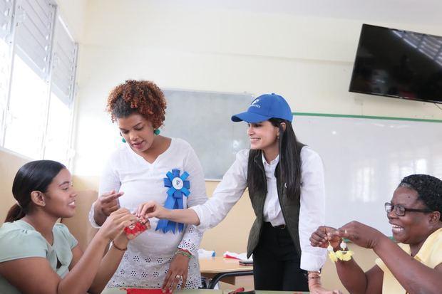 Judith Cury da oportunidades de crecimiento a 671 mujeres de 4 provincias del país