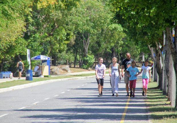 Alcaldía del Distrito Nacional realizó este sábado 07 de marzo un rally recreativo en la avenida de la Salud, Mirador Sur.