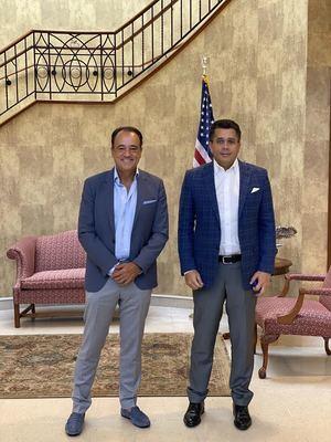 David Collado fue recibido por Alex ZoZaya, chairman de la reconocida firma turística.