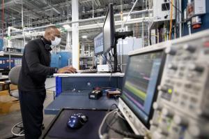 Ford acelera el desarrollo de baterías con Centro de Excelencia Global Ion Park