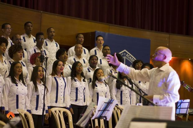 "Realizan concierto ""70 Aniversario Coro Universitario"""