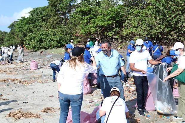 Día internacional de limpieza de playa