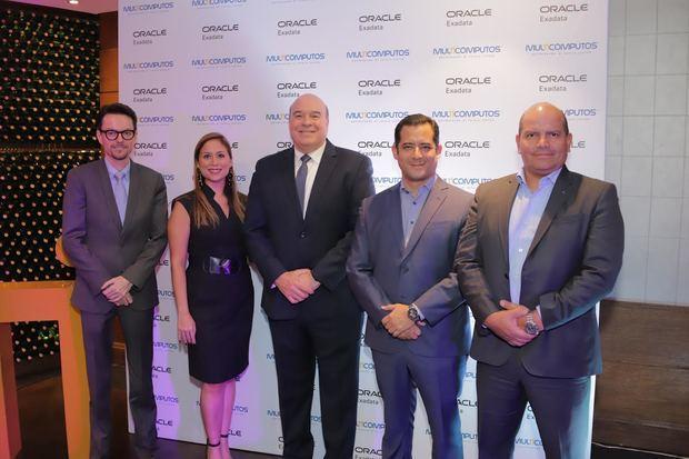 Mario Sánchez, María Avila, Virgilio Albert, Jorge Montenegro y Carlos Reyes.