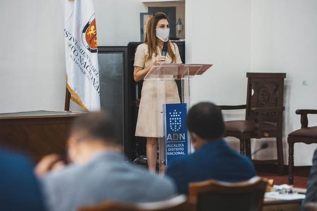 Alcaldesa Carolina Mejía rinde informe gestión primeros 100 días ante consejo de regidores