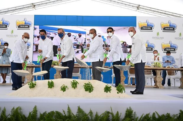 Downtown Punta Cana da primer palazo de Central Park con la presencia del presidente Luis Abinader