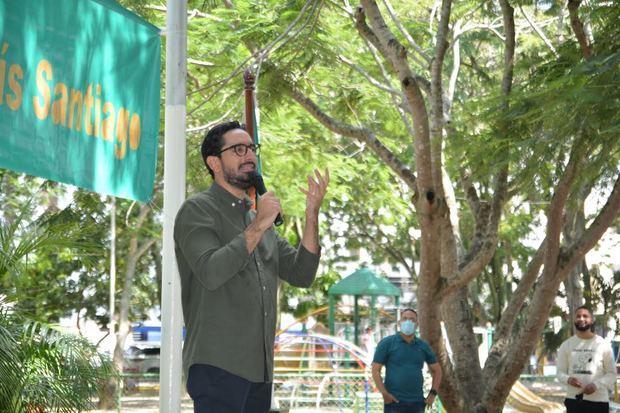 El diputado José Horacio Rodríguez con la ciudadanía de Santiago