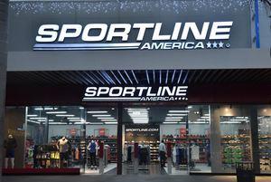 Fachada de la séptima sucursal de Sportline en Plaza Duarte Carrefour.