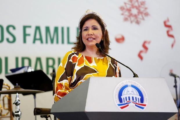 Vicepresidenta exhorta a fortalecer familia y reducir la violencia contra la mujer