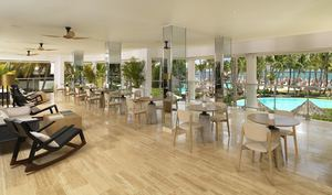 Lounge terraza del Meliá Punta Cana Beach.