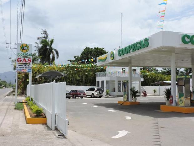 La envasadora principal de Coopegas opera en el sector Alma Rosa, de Santo Domingo Este.
