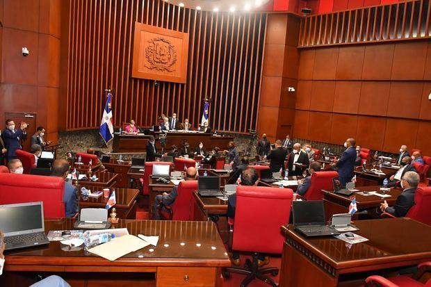El Senado de la República aprobó este miércoles en única lectura la resolución que autoriza al presidente de la República, Luis Abinader Corona, de prorrogar el Estado de emergencia.