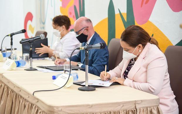 Ministerio de la Mujer firma acuerdo con Agencia Cooperación Española