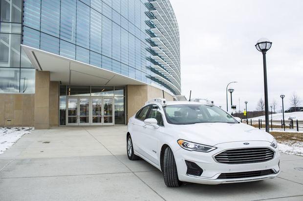 Universidad de Michigan y Ford abren complejo de Robótica de clase mundial
