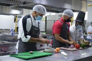 """Participantes de la """"Cocina Creativa"""" en la región Este."""