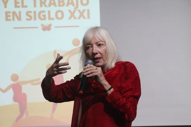 """Conferencia """"La Danza y el Trabajo en el Siglo XXI"""", impartida por la coreógrafa argentina Marta Binetti."""