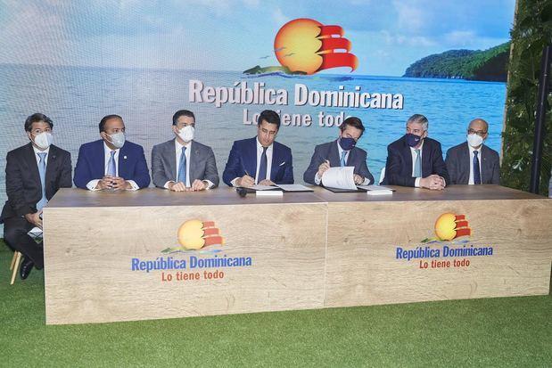 Banreservas anuncia respaldo a acuerdo de colaboración para FITUR 2022 dedicada a RD