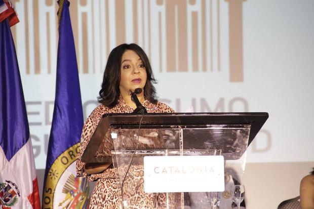 Dra. Anina Del Castillo.