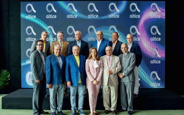 Ana Figueiredo, CEO de Altice Dominicana, durante en un encuentro con directores de prensa y líderes de opinión de la ciudad de Santiago.