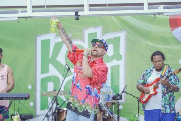 Kola Real cerró el verano con concierto de Mark B