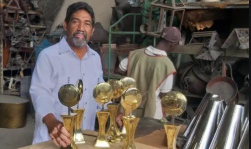 El PEL-2021 está dedicado a honrar la memoria de José Ignacio Morales, El Artístico. El trofeo del Premio Nacional de Periodismo Turístico.