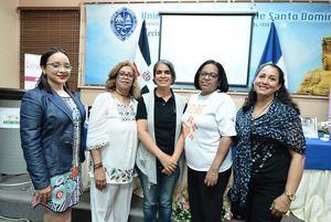 Heliana Reyes, Raquel Rivera,  Raydiris Cruz, Manuela Vargas y Sentola Batista.