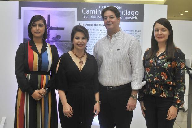 """Mary Frances Attías Antún inaugura exposición """"Camino de Santiago"""" en Galería 360"""
