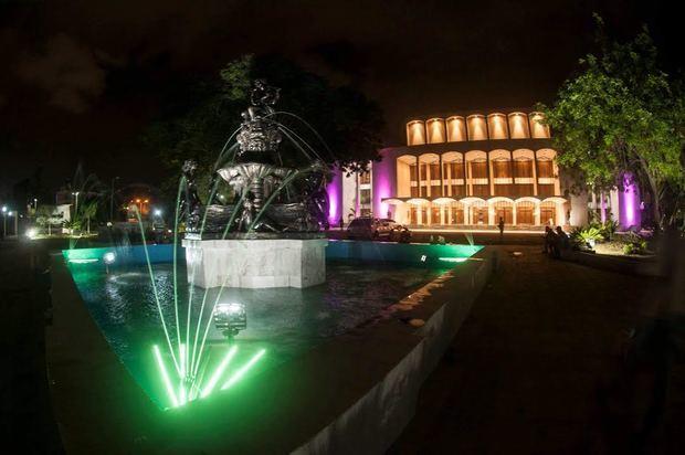 Foto exterior del Teatro Nacional.