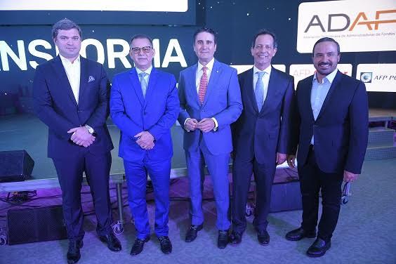 Autoridades y empresarios presentes en el Evento IN 2019.