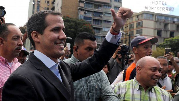 Guaidó llama a exigir en cuarteles militares el ingreso de ayuda humanitaria
