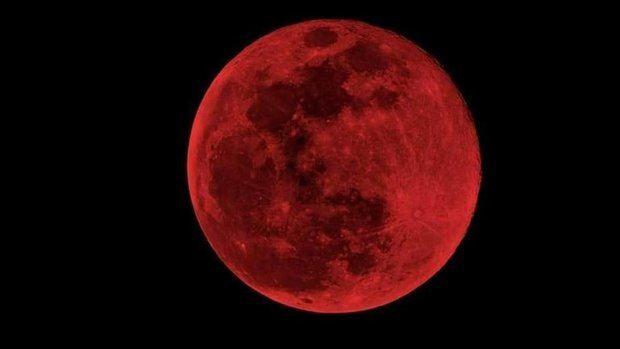 El eclipse lunar y la luna de sangre maravillan a todos los que miraron al cielo