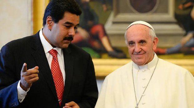 """Maduro espera respuesta """"iluminada"""" del papa a su solicitud para un diálogo"""