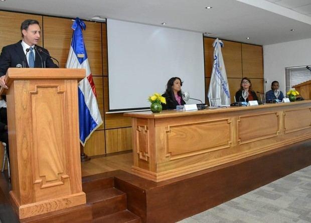 Procurador encabeza apertura de diplomado dirigido a miembros del MP